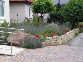 Obernkirchener Sandstein® bed enclosure